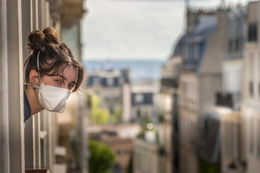 Зачинені ресторани і віддалена робота: Франція повернула загальний карантин