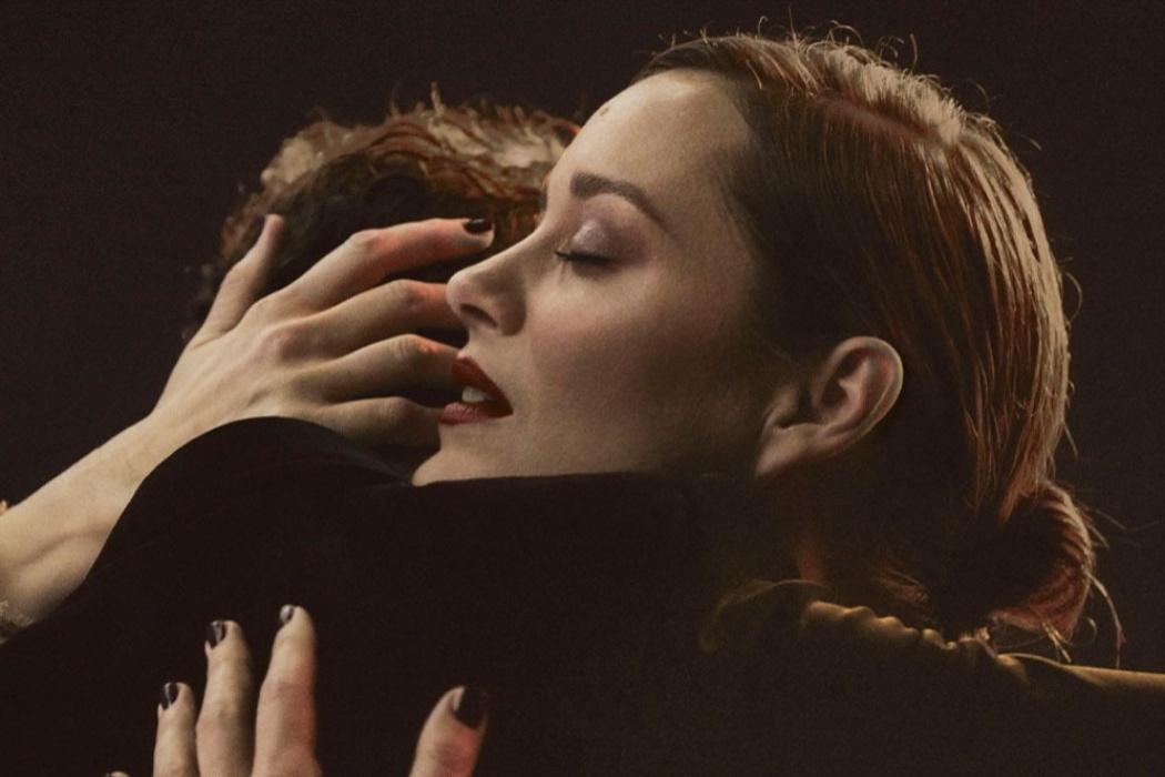 Марион Котийяр танцует на Луне в мини-фильме Chanel N°5