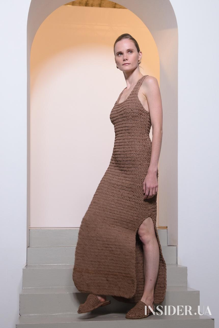 Вечерние платья с тапочками: показ Bobkova SS'21