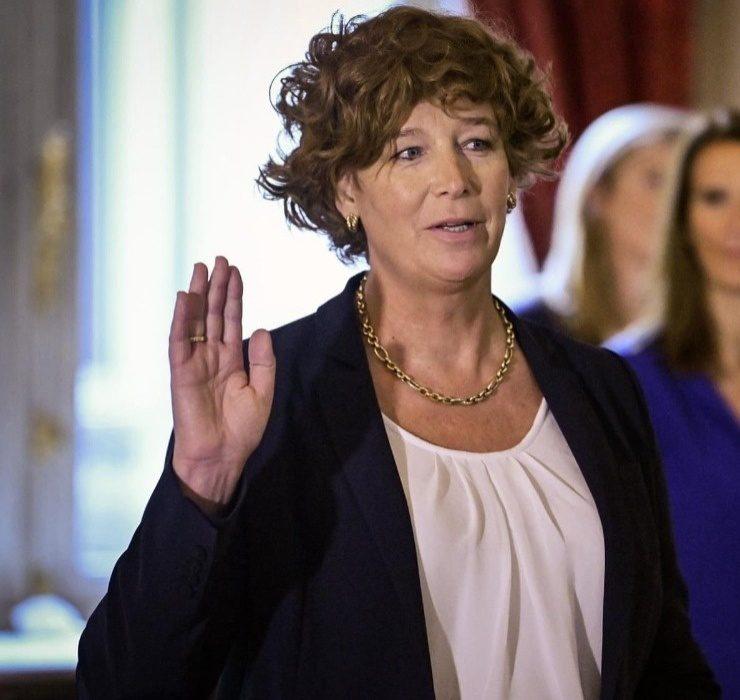 Впервые в истории: женщина-трансгендер стала вице-премьером Бельгии