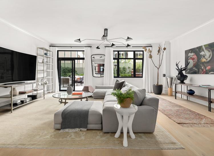 В гостях у Софи Тернер и Джо Джонаса: как выглядит квартира в Нью-Йорке за 5,9 млн долларов
