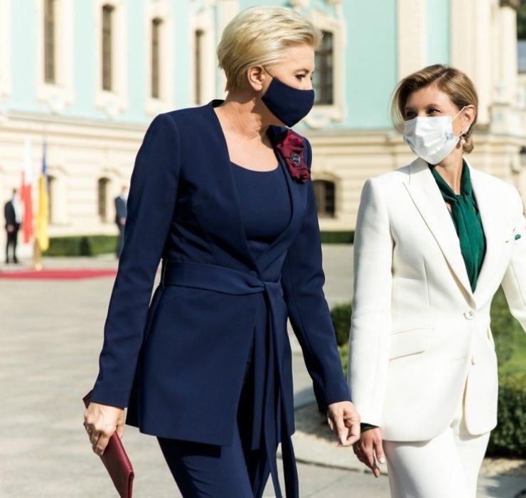 Битва брючних костюмів: Олена Зеленська проти Агати Корнгаузер-Дуди