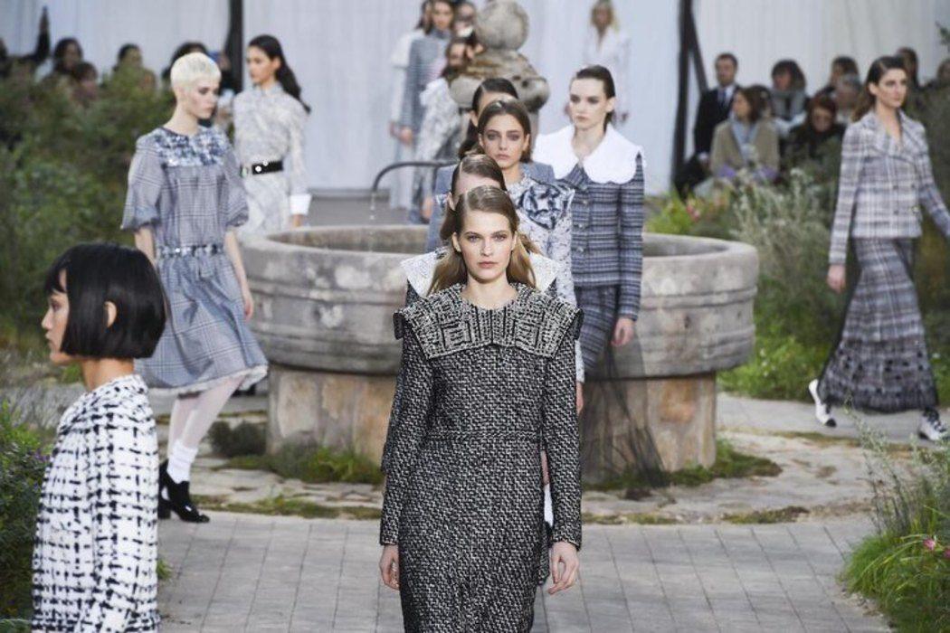 Знову в онлайн: показ Chanel пройде в замку Шенонсо без глядачів