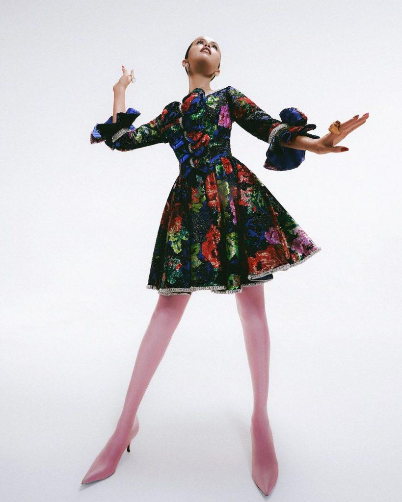 В шикарной форме: Селена Гомес снялась в эффектной фотосессии для fashion-книги Карин Ройтфельд