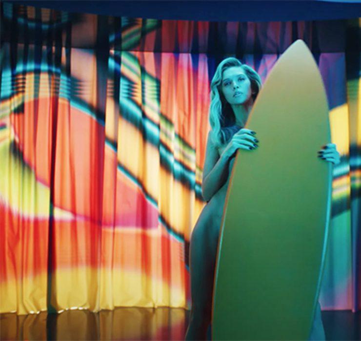 Катя Сильченко и Соня Киперман снялись в новом клипе Веры Брежневой Sestra