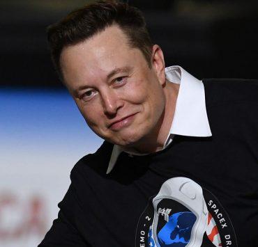 Обогнал Цукерберга: Илон Маск вошел в тройку богатейших людей мира