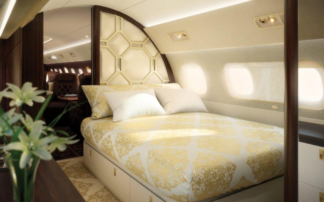 На них летают Том Круз и Дональд Трамп: 7 самых дорогих частных джетов в мире