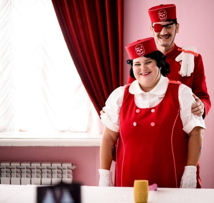 Консьерж Александр Гудков безответно влюблён в Alyona Alyona в новом клипе Dancer