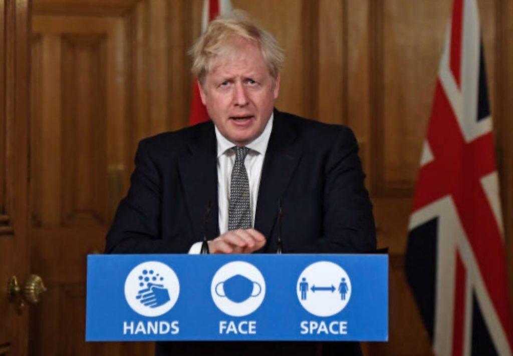 Борис Джонсон объявил о введении локдауна в Англии