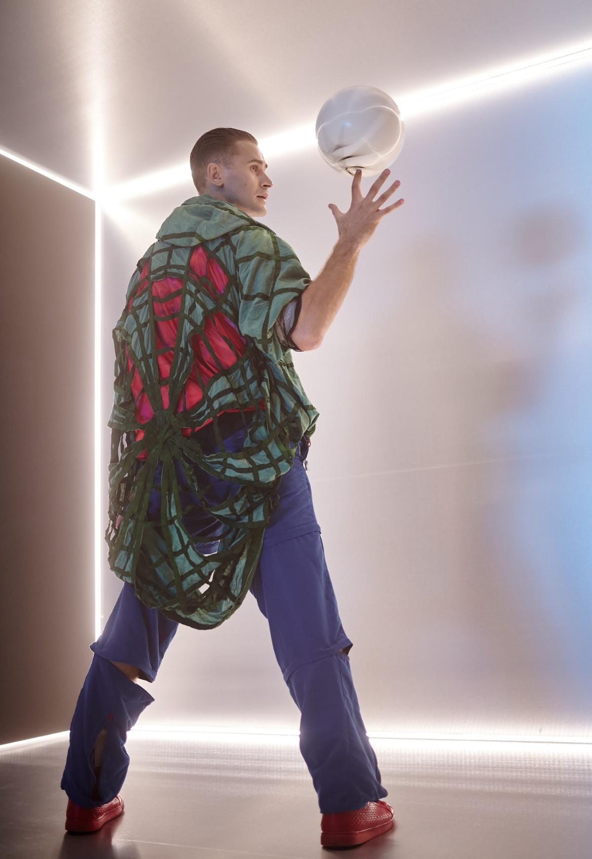 MONATIK, Lida Lee и NiNO учат не прожигать жизнь в новом клипе «РитмоLOVE»