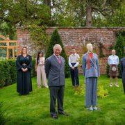 Впервые за 40 лет: королева Елизавета II открыла сады Виндзора для посещения