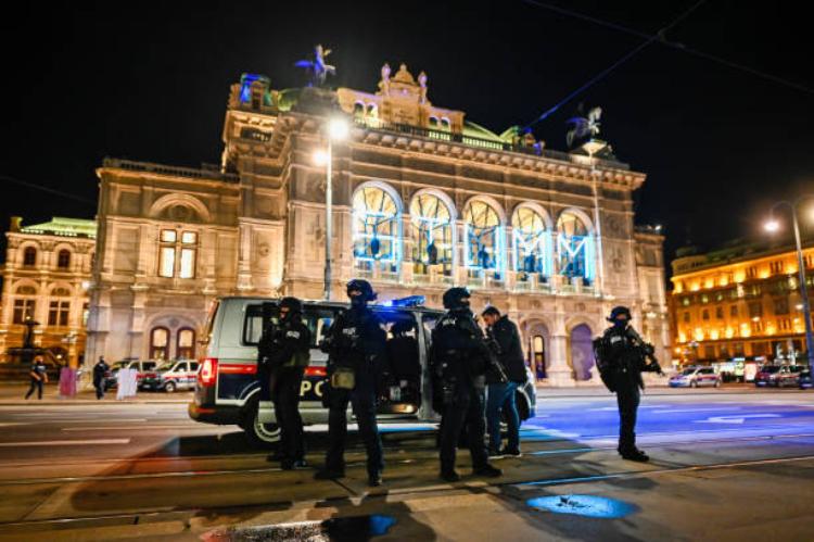 «Паніка, плач, дзвінки рідним»: теракт очима українок, які живуть у Відні