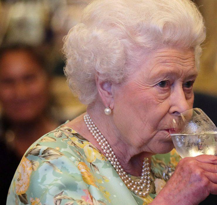 Елизавета II выпустила джин собственной марки