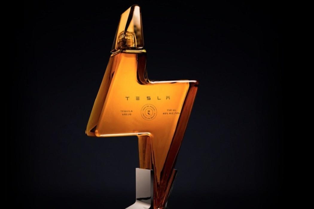 Маск не шутил! Tesla запустила продажу текилы по 250 долларов за бутылку