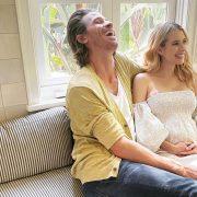 Эмма Робертс впервые показала новорожденного сына