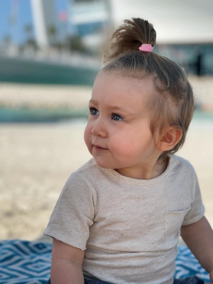 С мужем и маленькой дочкой: Санта Димопулос отдыхает в Дубае