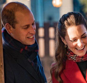 Кейт Миддлтон и принц Уильям с детьми представили традиционную рождественскую открытку