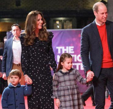 Кейт Миддлтон и принц Уильям впервые появились на красной дорожке с тремя детьми