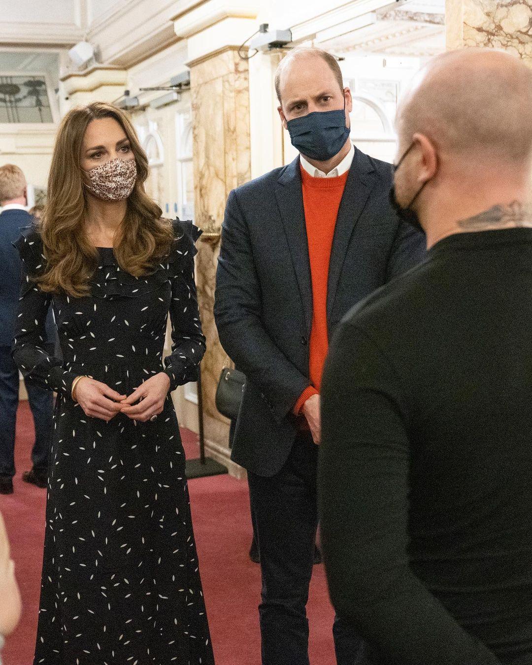 Кейт Міддлтон і принц Вільям вперше з'явилися на червоній доріжці з трьома дітьми