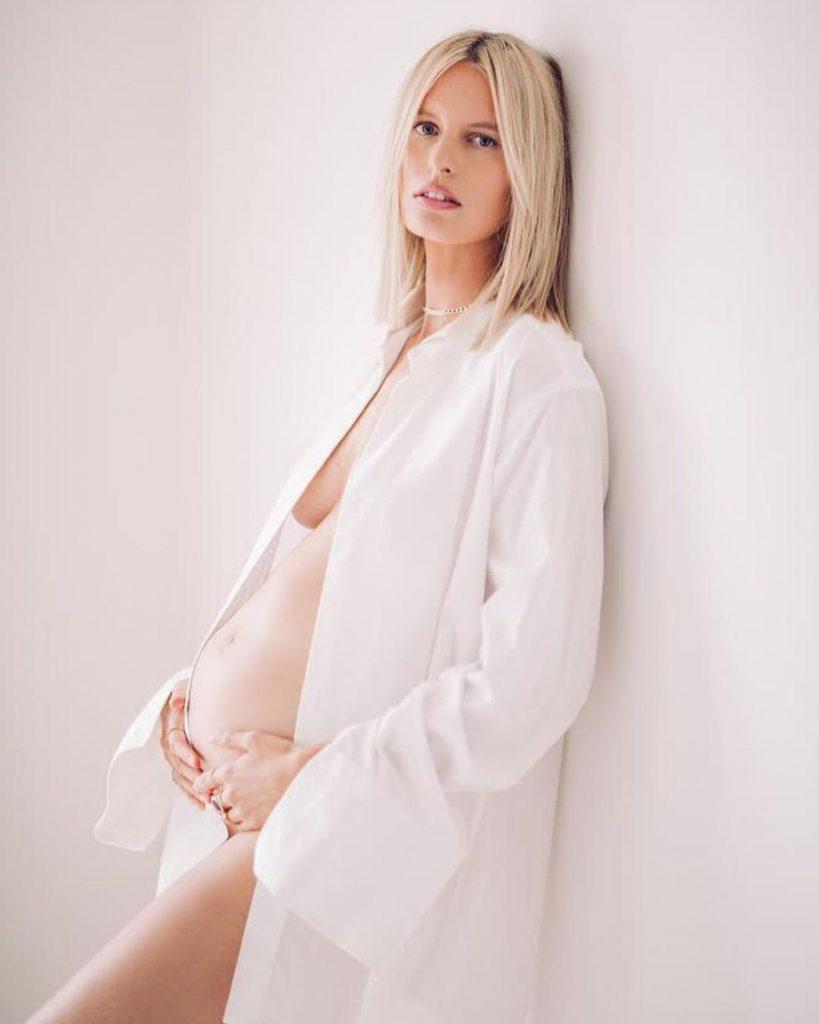 Кароліна Куркова втретє стане мамою