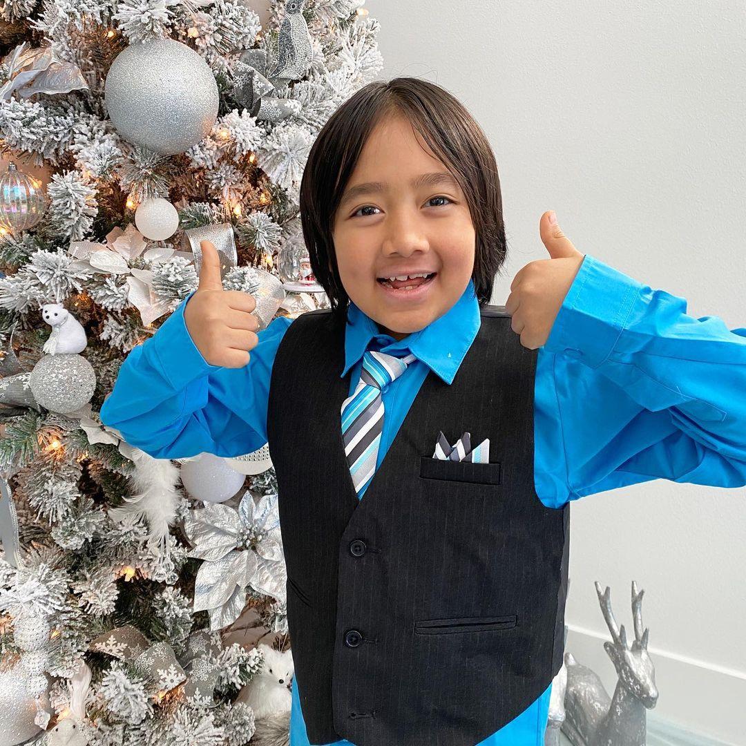 9-річний хлопчик із Техасу став найбільш високооплачуваним YouTube-блогером 2020 року