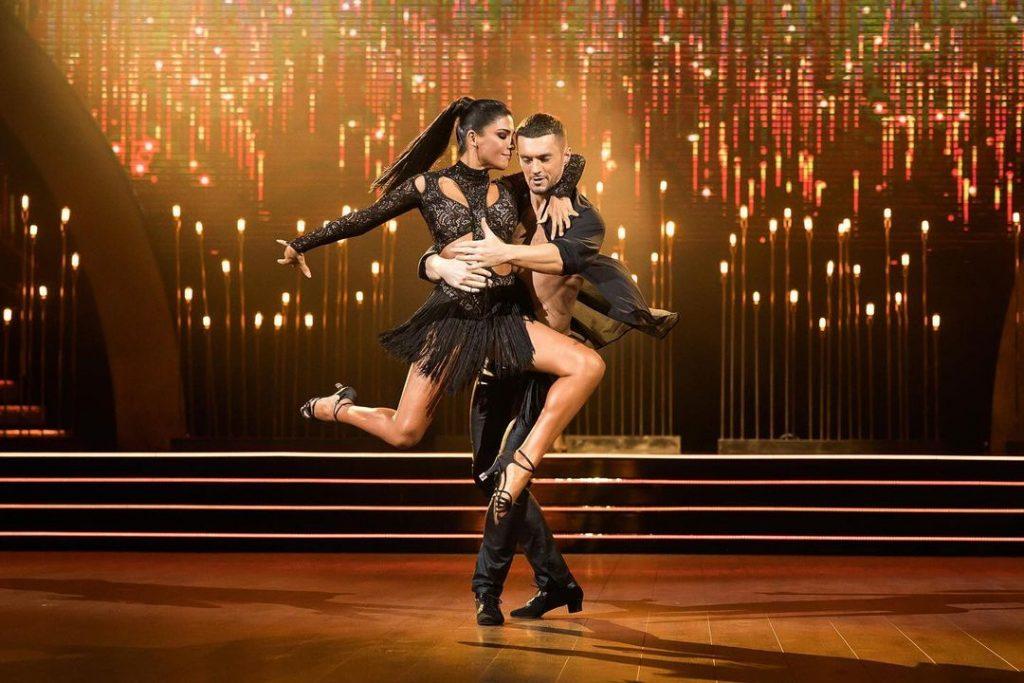«Было все –и слезы, и эмоциональные срывы»: Санта Димопулос о «Танцах со звездами», семье и планах на будущее