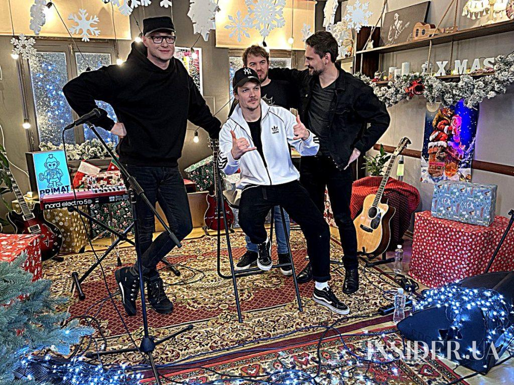 """Джамала, Андрей Хлывнюк и Женя Галич на съемках «Сніжного концерту»<span class=""""badge-status"""" style=""""background:#cf3034"""">Эксклюзив</span>&nbsp;"""