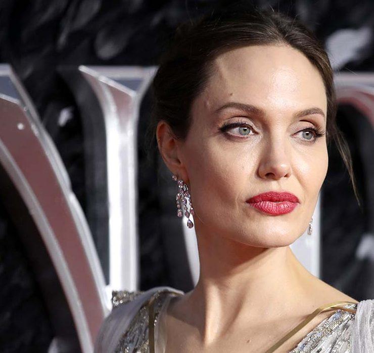 Анджелина Джоли дала советы женщинам, как защититься от домашнего насилия