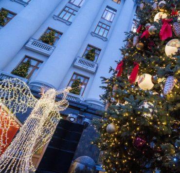 «Святий Миколай приймає друзів»: у Києві розпочинає роботу святкове містечко