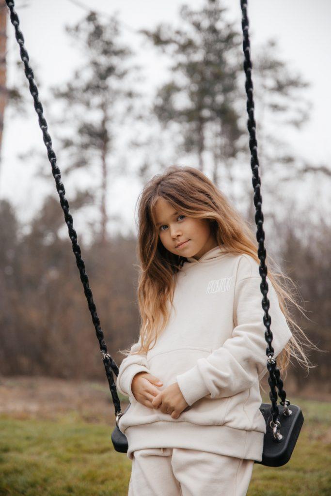 Любов і зв'язок поколінь: бренд Poustovit вперше представив масову дитячу лінійку