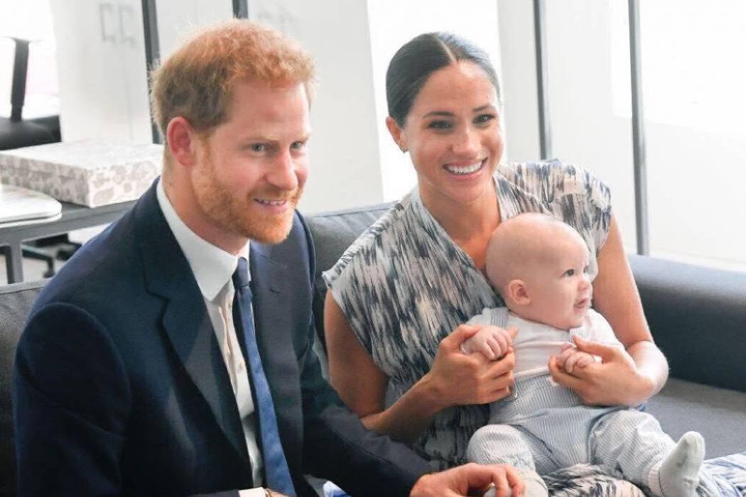 Мимими дня: сын принца Гарри и Меган Маркл поздравил всех с Новым годом