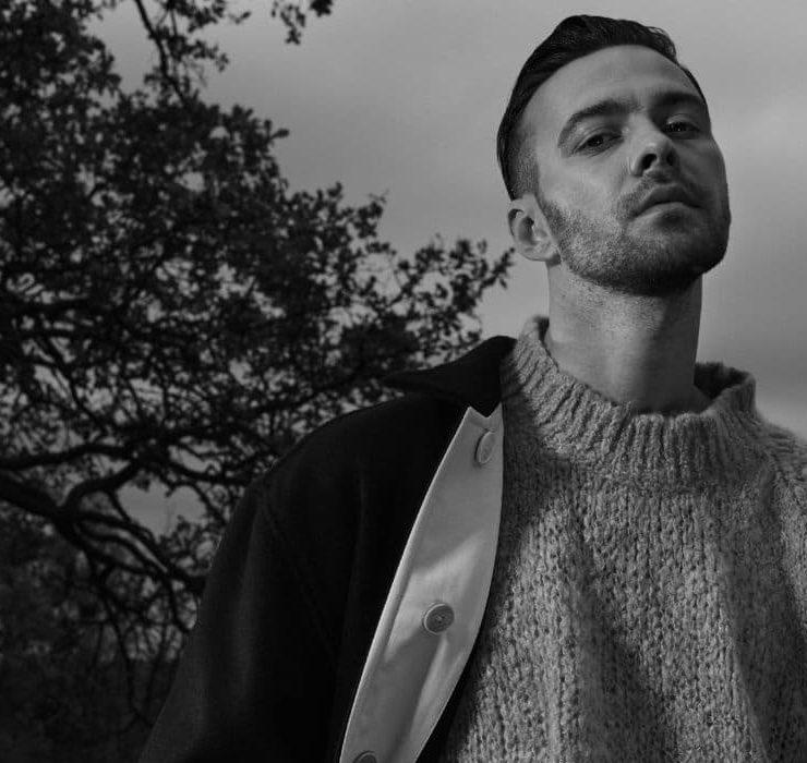 З минулого життя в теперішнє: Макс Барських презентував кліп на пісню «Імена»