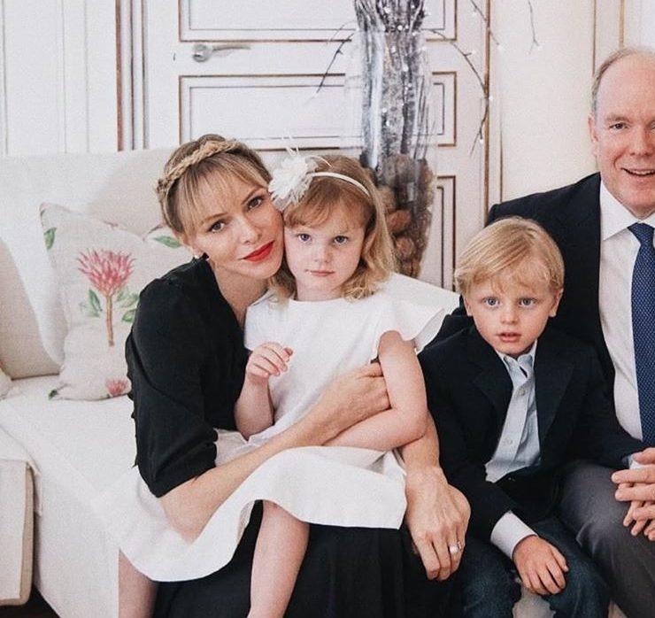 В домашней обстановке: князь Альбер и княгиня Шарлен отметили 6-летие детей