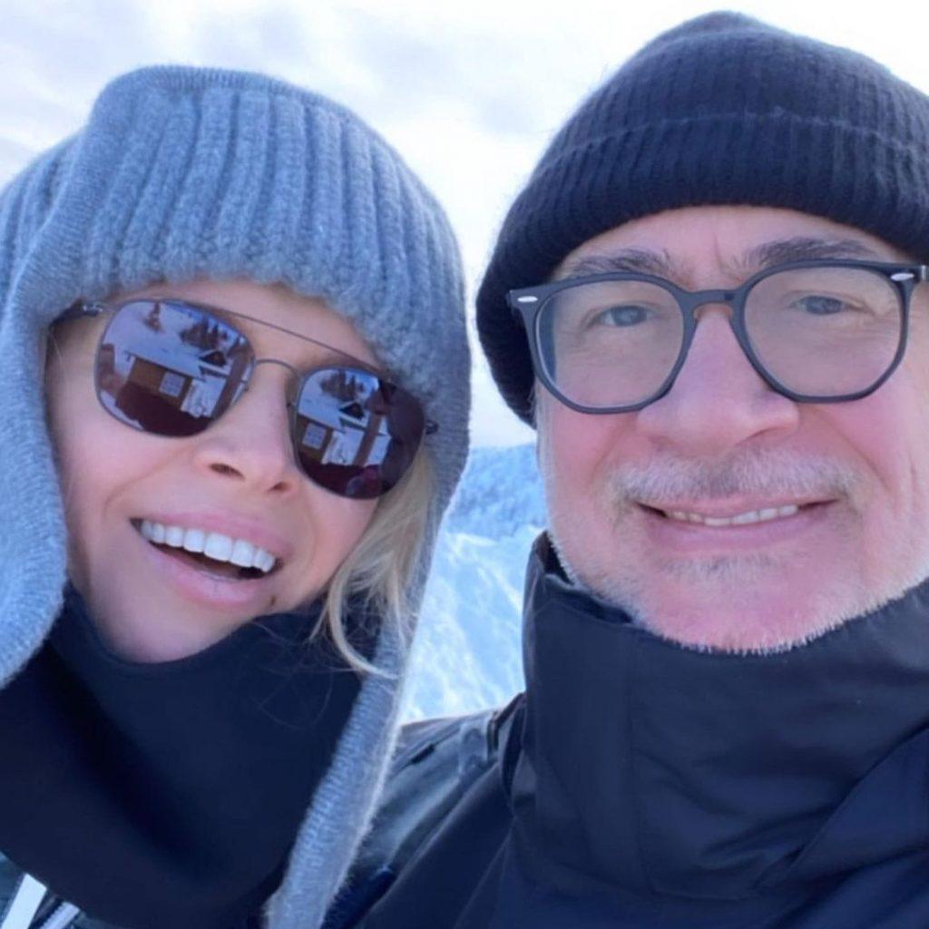 Лижі, сноуборд і снігові вершини: Віра Брежнєва з чоловіком і доньками відпочиває в горах