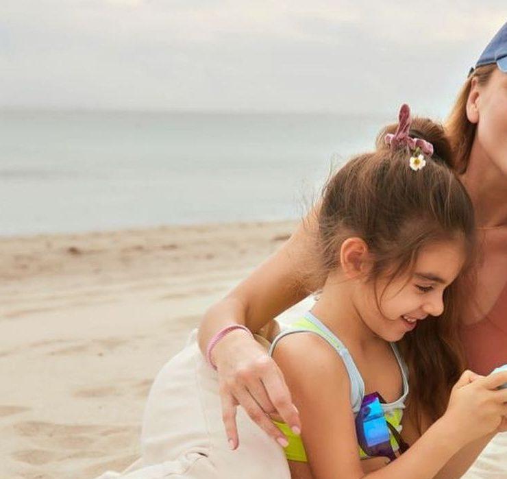 У кепках і з посмішками: Катя Сільченко з донькою в Маямі