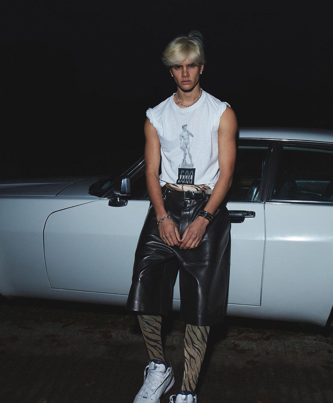 Ромео Бекхэм впервые появился на обложке Vogue