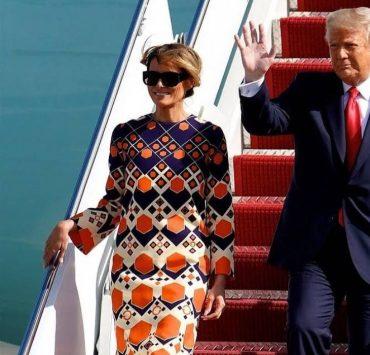 В платье Gucci и с лучезарной улыбкой: Мелания Трамп прилетела во Флориду