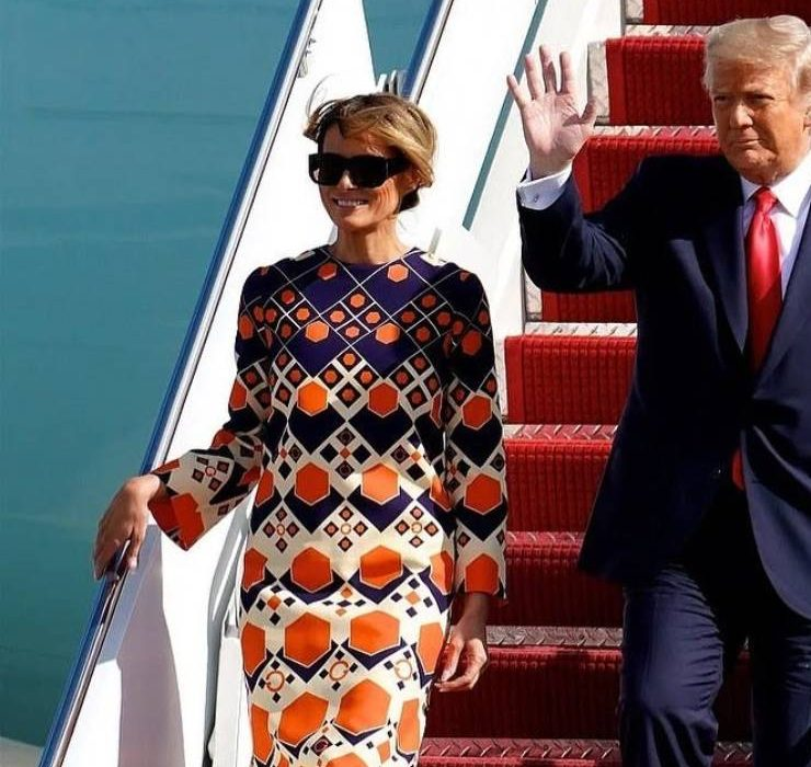 У сукні Gucci та з широкою посмішкою: Меланія Трамп прилетіла до Флориди