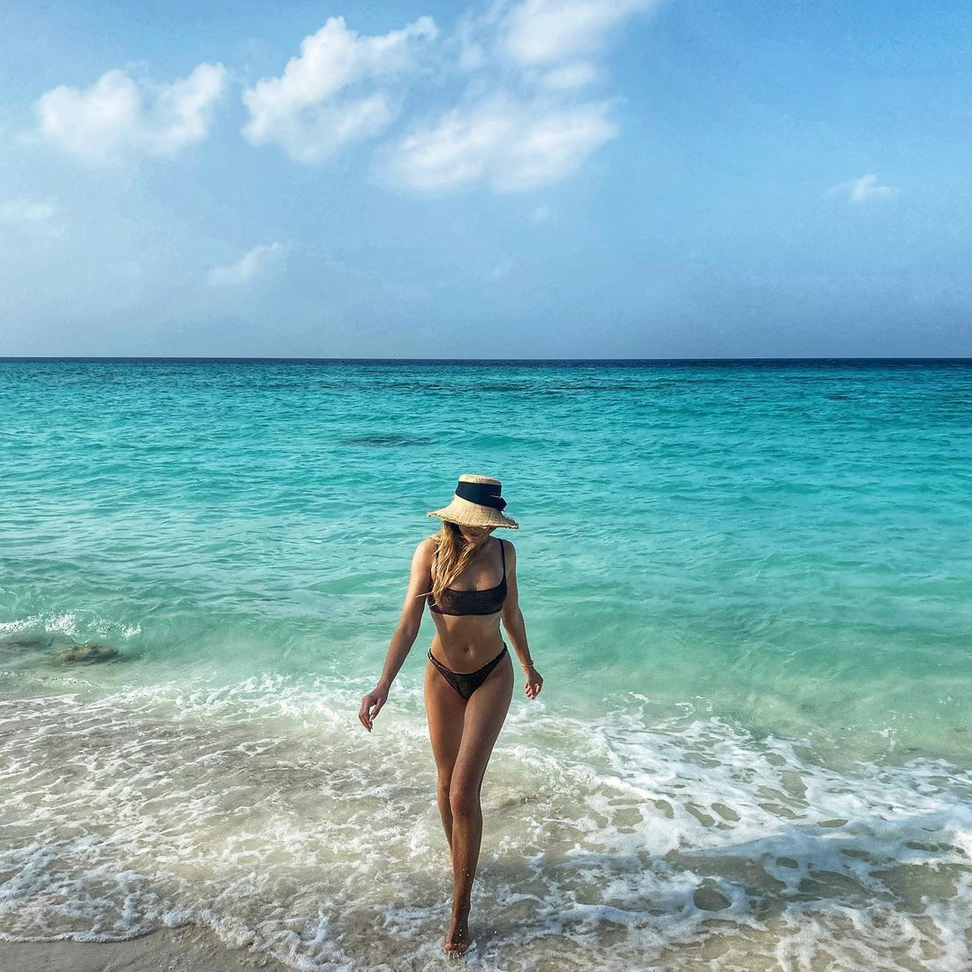 Подводная съёмка и фото в купальнике: Леся Никитюк отдыхает на тропическом острове