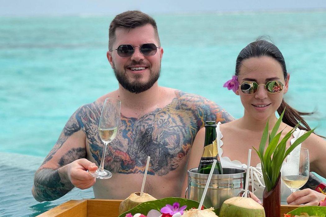 Подводный ресторан и личный консьерж: Валерий Созановский и Леся Матвеева исследуют остров Нияма