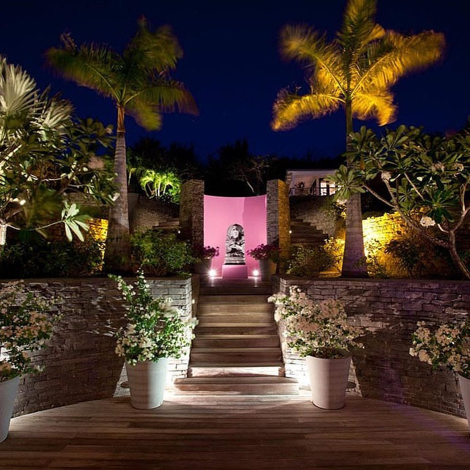 $20 500 за ночь: Робби Уильямс проводит карантин на роскошной вилле