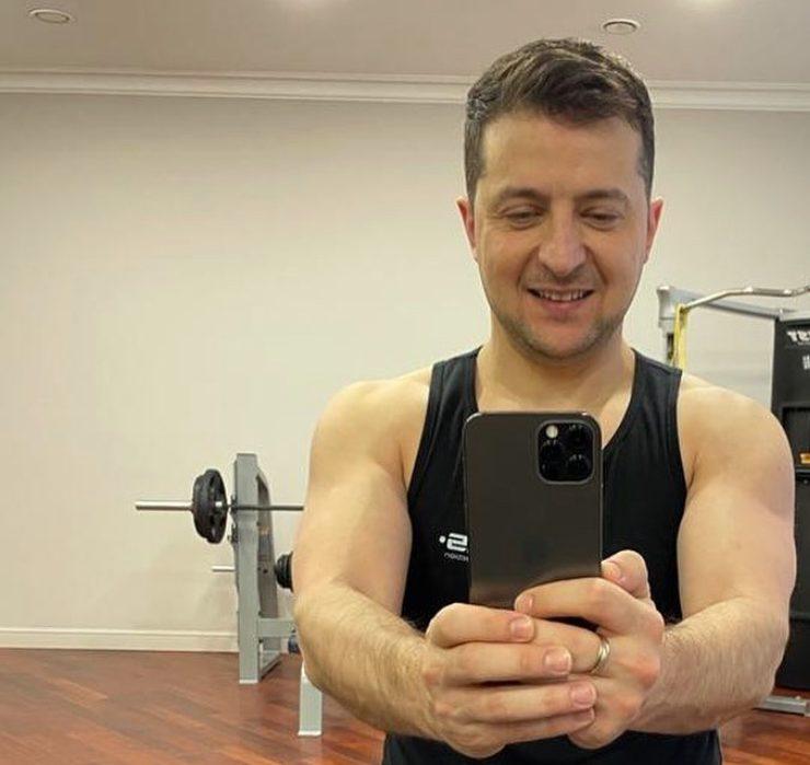 Фізкульт-привіт: Володимир Зеленський почав день народження з тренування