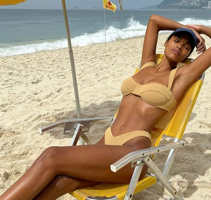 Hot! Тіна Кунакі та Венсан Кассель відпочивають в Ріо-де-Жанейро