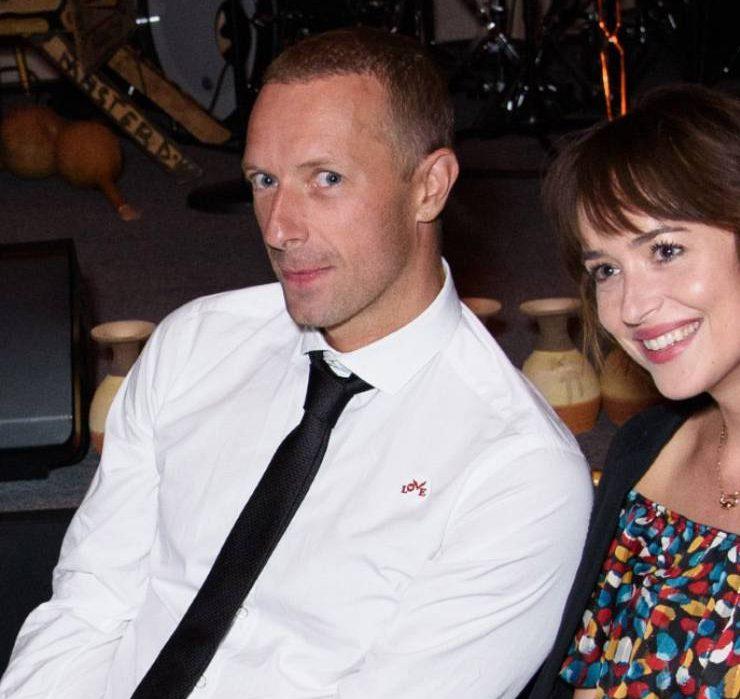 В гостях у Дакоты Джонсон и Криса Мартина: пара приобрела особняк в Малибу за $12,5 миллионов