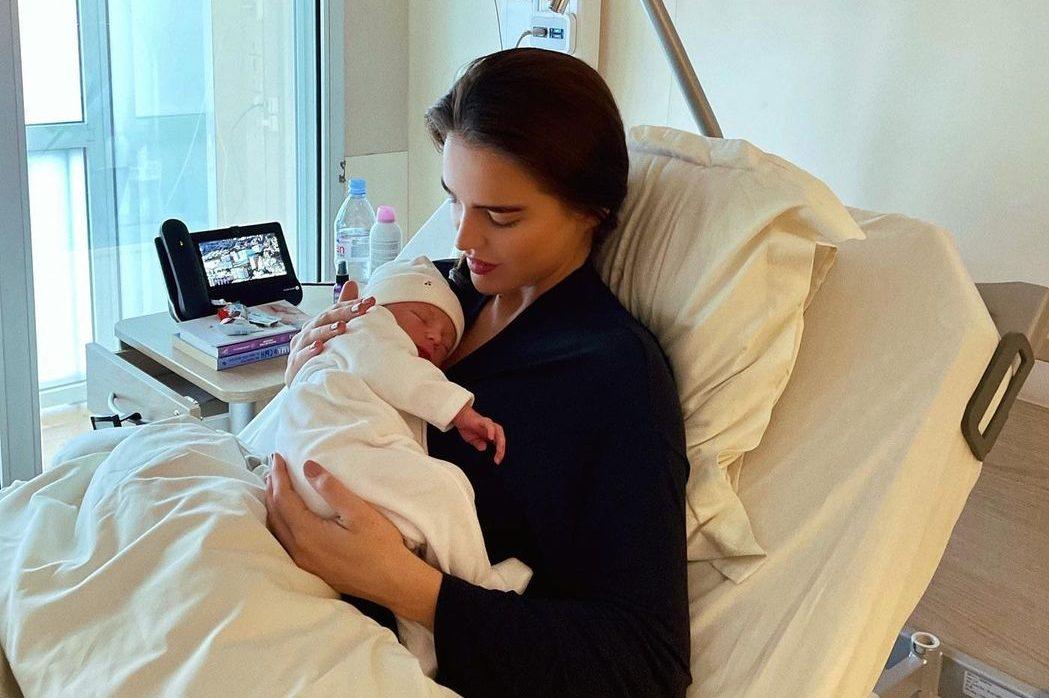 It's a boy! Анна Андрес родила первенца