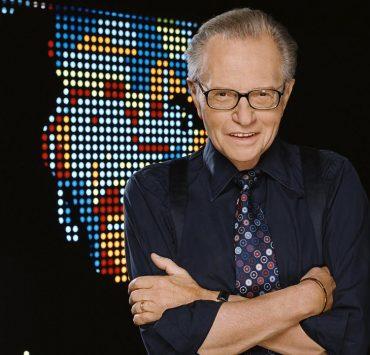 Телеведущий Ларри Кинг госпитализирован с коронавирусом