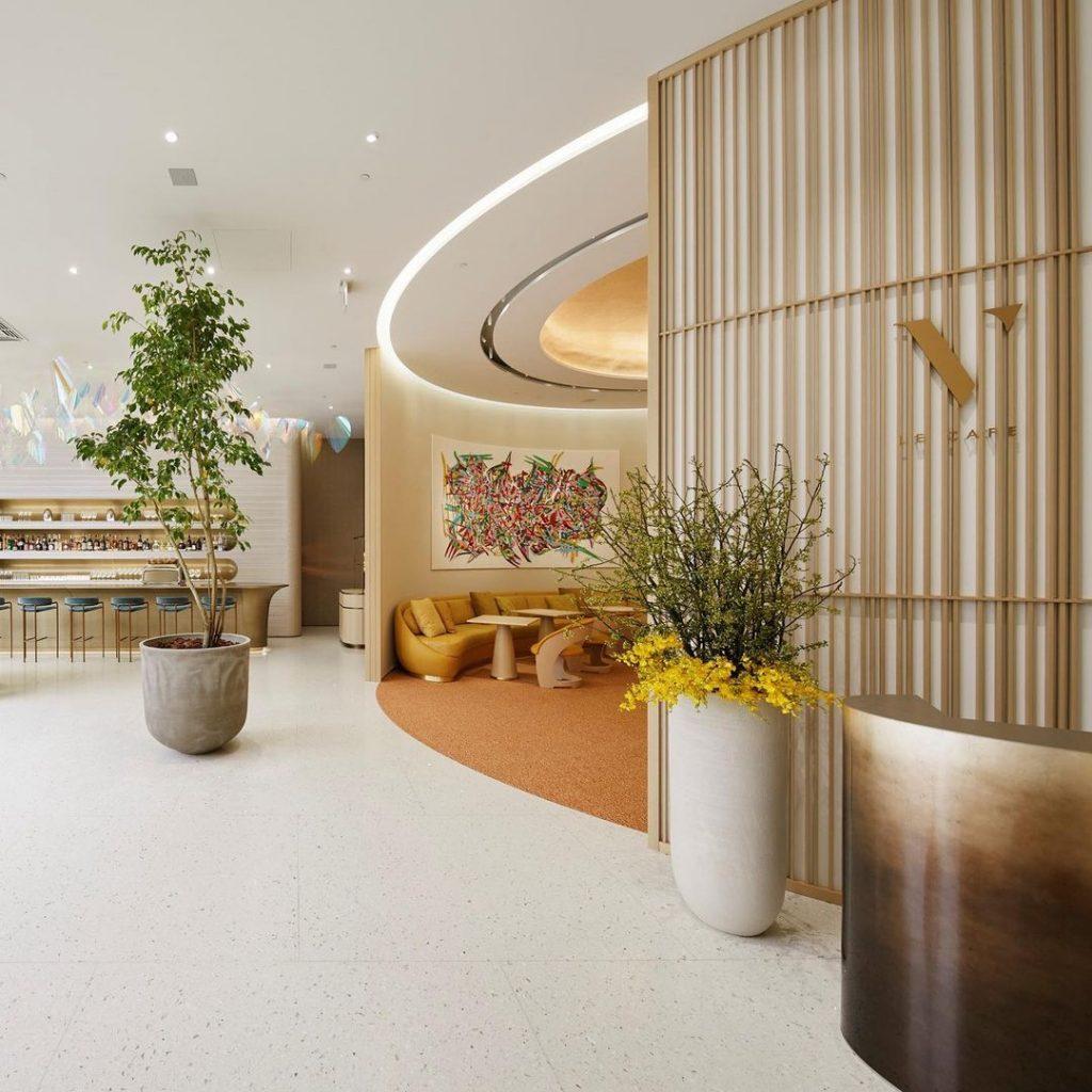 Louis Vuitton открыли кафе в Токио