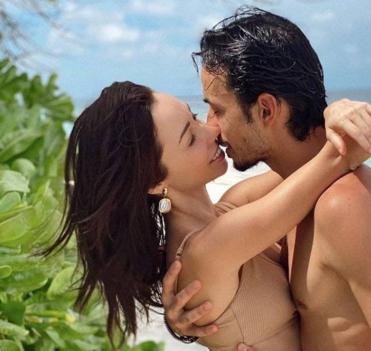 Сімейна подорож: Катерина Кухар та Олександр Стоянов вирушили на Мальдіви