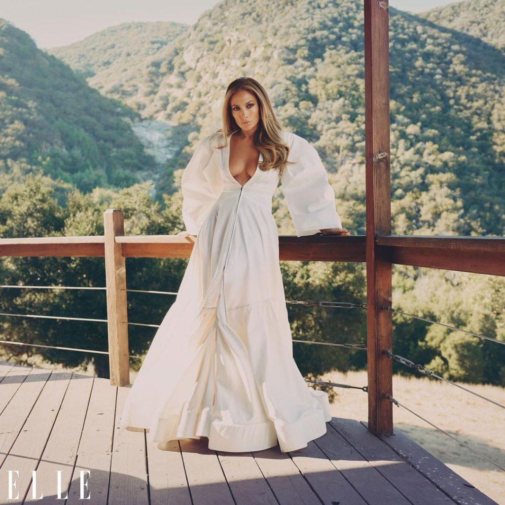 У Prada, Valentino і Fendi: Дженніфер Лопес знялася в новій фотосесії