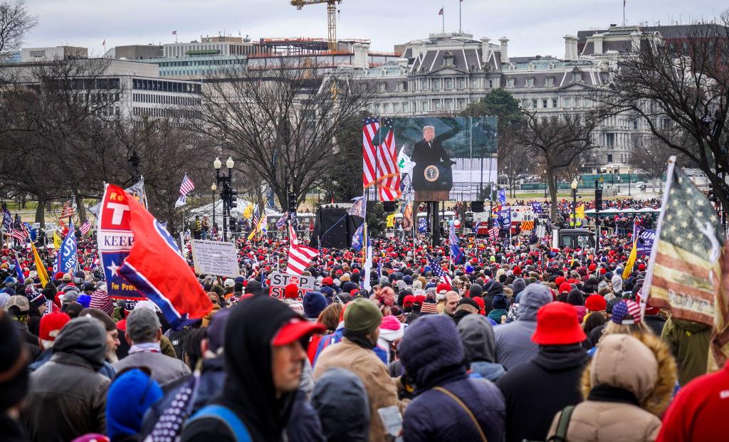 «Я осуждаю насилие, которое произошло в Капитолии»: Мелания Трамп написала открытое письмо